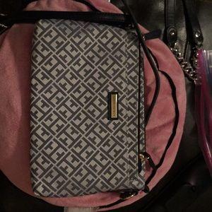 Tommy Hilfiger crossbody Bag with makeup bag